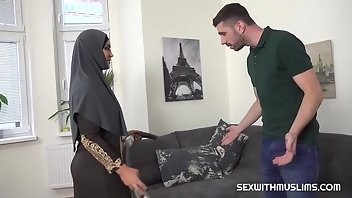Pakistani MILF Blowjob Arab