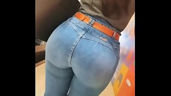Downblouse Jeans Ass Public