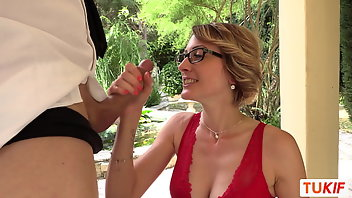 Secretary Outdoor MILF Blowjob